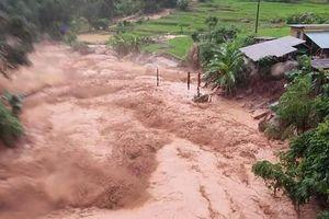 Hoàn lưu sau bão, nhiều xã ở Thanh Hóa bị cô lập