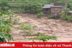 Mưa lũ, sạt lở đất đá gây chia cắt nhiều tuyến đường trên địa bàn huyện Mường Lát, 1 người mất tích