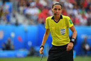 Trọng tài nữ điều khiển trận Siêu Cúp châu Âu 2019