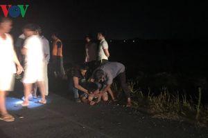 Tin mới nhất vụ lái xe ô tô tông phía sau, 3 học sinh chết thương tâm