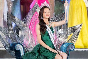 Khoảnh khắc đăng quang của Hoa hậu 10X Lương Thùy Linh