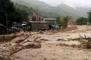 Trưởng Công an xã tử vong do bị đất đá vùi lấp khi đi kiểm tra mưa lũ