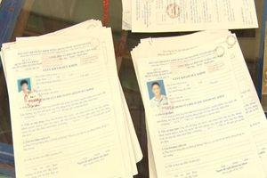 Khởi tố hai cha con trong đường dây làm giả 1.300 giấy tờ của nhiều cơ quan, tổ chức