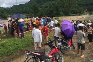 Đang quăng chài, một thanh niên bị nước lũ cuốn trôi tại sông Bứa