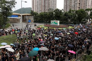 Hong Kong tiếp tục rúng động vì các cuộc biểu tình quy mô lớn
