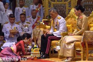 Nhà vua Thái Lan lần đầu tiên sắc phong Hoàng Quý Phi sau gần 1 thế kỷ