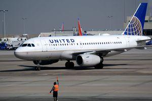 Phi công say xỉn, United Airlines phải hủy chuyến bay