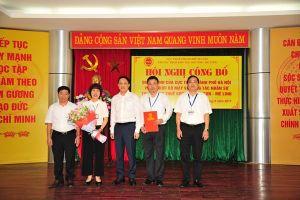 Hà Nội công bố bộ máy và gắn biển tên 3 chi cục thuế khu vực mới thành lập