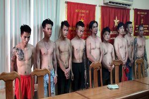 Bắt 5 đối tượng liên quan đến vụ tạt sơn, mắm tôm vào quán Phở Hòa