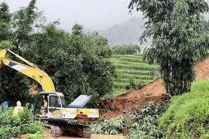Sạt lở 300m3 đất ở Sa Pa do mưa lớn kéo dài, 1 người tử vong
