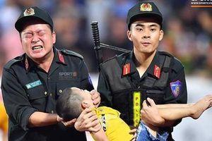 Vì sao bé trai 5 tuổi bị co giật trên sân vận động Thiên Trường?
