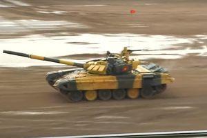 Đội xe tăng Việt Nam đang dẫn đầu bảng đấu tại Tank Biathlon