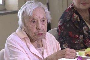 Cụ bà 107 tuổi bật mí bí quyết sống thọ là 'không kết hôn'
