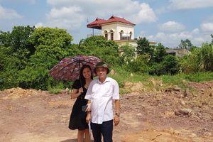 Huyện Lục Ngạn vay tiền làm dự án, gia đình 2 quán quân Sao Mai kêu cứu
