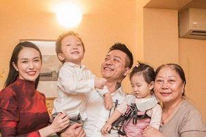 Tuấn Hưng nói về việc vợ sinh con thứ 3: 'Tôi sẽ hạn chế đi hát để ở bên vợ con nhiều hơn'