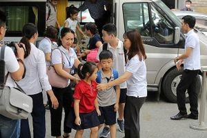 Sau vụ học sinh trường Gateway tử vong: Trường học Hà Nội tự 'báo động đỏ' về đưa đón học sinh