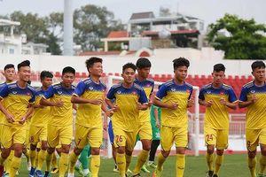 Việt Nam - Malaysia nóng ngay từ trận đầu