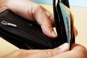 9X vào chùa trộm điện thoại và 40 triệu đồng