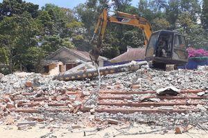 Lại một ngôi cổ tự được trùng tu… 'xây mới'