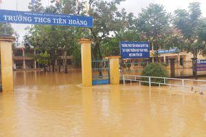 Mưa lớn khiến nhiều khu vực ở Lâm Đồng ngập sâu