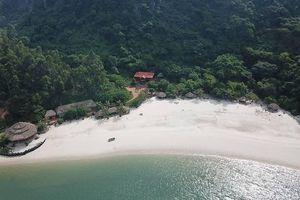 'Sờ gáy' hàng loạt công trình xây dựng trái phép trên vịnh Bái Tử Long