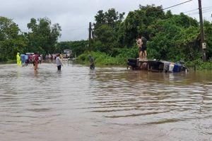 Đắk Lắk: Mưa lớn chia cắt giao thông, thiệt hại nặng cho nông dân