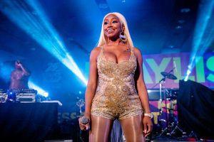 Nữ rapper từng hợp tác với Cardi B đã thoát chết thần kì sau khi bị bắn 14 phát súng