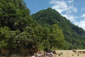 Thanh Hóa: Cầu 'huyết mạch' nối người dân vùng lũ Sa Ná đã được thi công xong