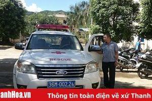 Tăng cường xe cứu thương vận chuyển bệnh nhân vùng lũ Quan Sơn