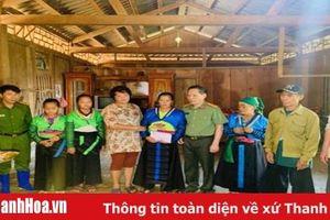 Cục truyền thông CAND trao gần 150 triệu đồng cho nhân dân vùng lũ 2 huyện Quan Sơn và Mường Lát