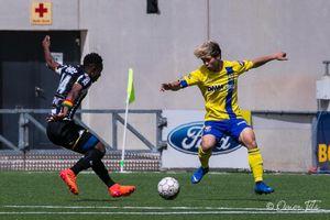 Công Phượng xử lý khéo léo, kiến tạo bàn thắng cho Sint Truidense