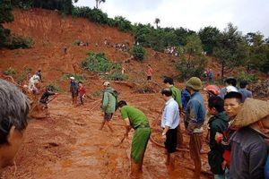 Đắk Nông: Mưa lớn, đồi lở nuốt chửng cả nhà 3 người
