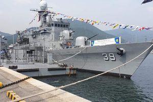 Cùng được Hàn tặng chiến hạm: Việt Nam đã nhận 2, Philippines giờ mới có!