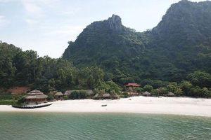 Quảng Ninh: Hàng loạt công trình xây dựng trên vịnh Bái Tử Long bị 'sờ gáy'