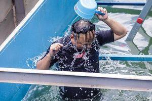 Tận thấy chuyên gia Nhật tắm bằng nước sông Tô Lịch