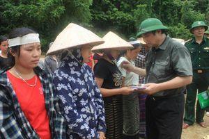 Trưởng ban Tổ chức Trung ương thăm hỏi, chỉ đạo khắc phục hậu quả mưa lũ