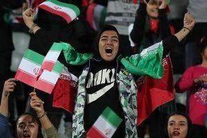 Cuộc hành trình không mệt mỏi để phát triển bóng đá của nữ huấn luyện viên Iran