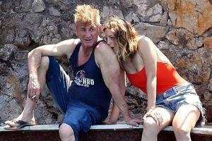 Sean Penn hôn tình tứ bên bạn gái kém hơn 31 tuổi