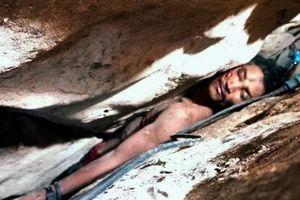 Giải cứu thanh niên mắc kẹt giữa khe núi suốt 4 ngày