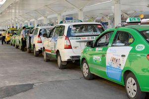 'Tị nạnh' về ưu đãi, taxi truyền thống muốn được chuyển thành xe công nghệ