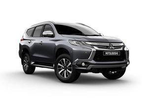 Tháng Ngâu, Mitsubishi Pajero Sport giảm giá hơn 90 triệu đồng