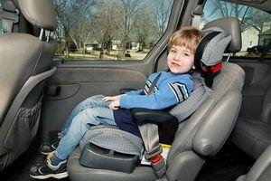 Những điều cần lưu ý khi chở trẻ em trên ô tô