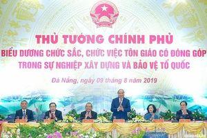 Thủ tướng gặp mặt, biểu dương các chức sắc, chức việc tôn giáo tiêu biểu