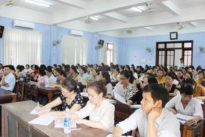 Hương Trà: Hơn 1.700 cán bộ, giáo viên được bồi dưỡng chính trị đầu năm học mới
