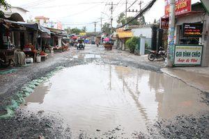 Người Sài Gòn cam chịu ở con đường 'độc' nhất có hàng trăm 'ao nước' chỉ trong 2km