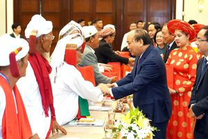 Thủ tướng dự gặp mặt, biểu dương các chức sắc, chức việc tôn giáo tiêu biểu