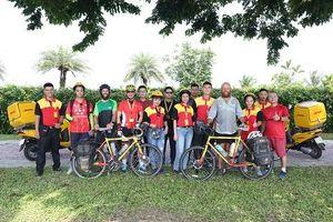 Ấn tượng với chuyến đạp xe gây quỹ trong 231 ngày