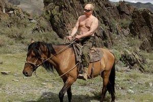 Vladimir Putin - 20 năm đỉnh cao quyền lực và những khoảnh khắc đời thường ấn tượng
