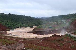 Nguy cơ vỡ đập, thủy điện Đắk Sin 1 ở Đắk Nông xả lũ khẩn cấp