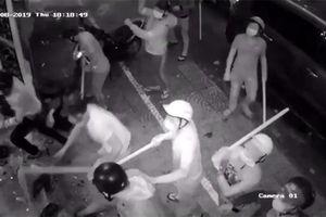 TP Hồ Chí Minh: Hàng chục côn đồ tấn công một nhà hàng ở trung tâm Quận 1